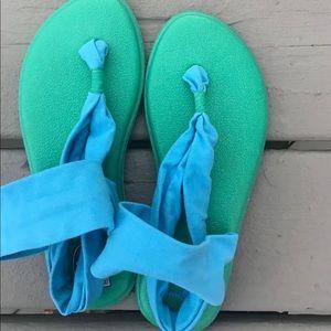 Sanuk yoga sling girls sandals